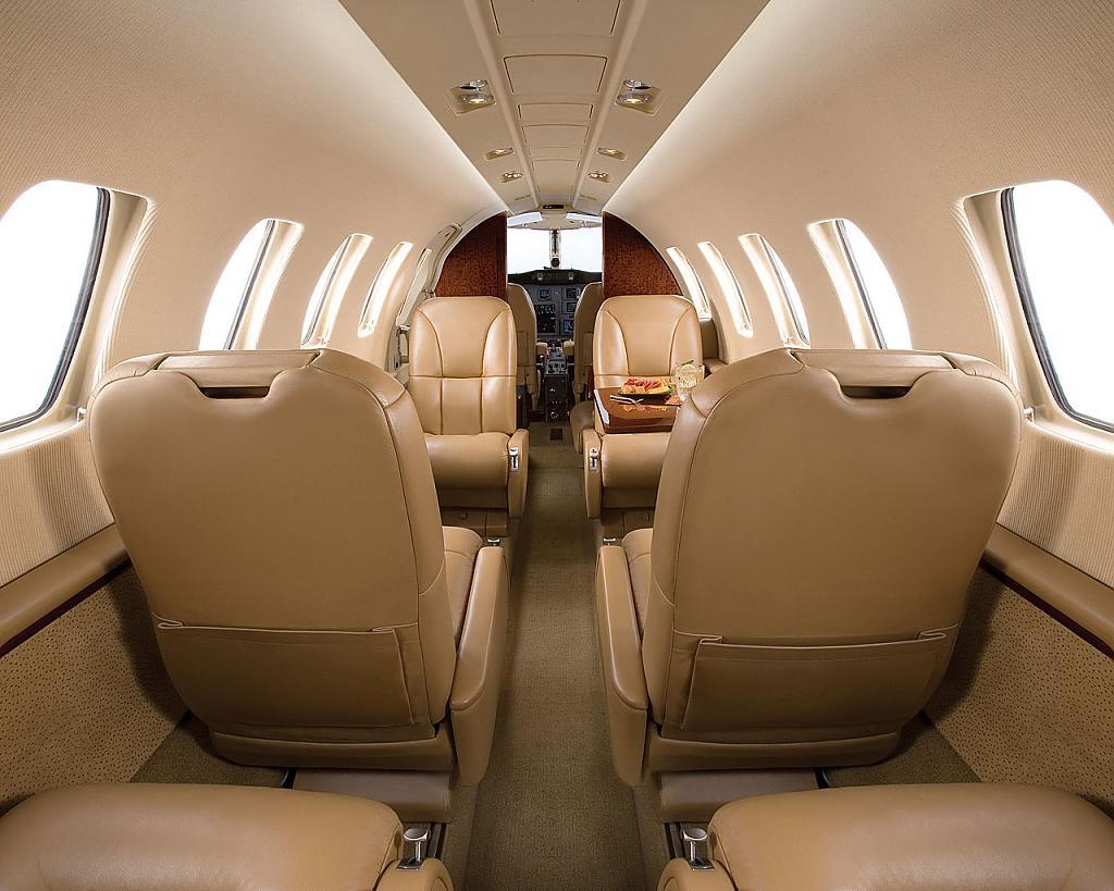 Коммерческий самолёт  от Cessna Aircraft Company: интерьер салона
