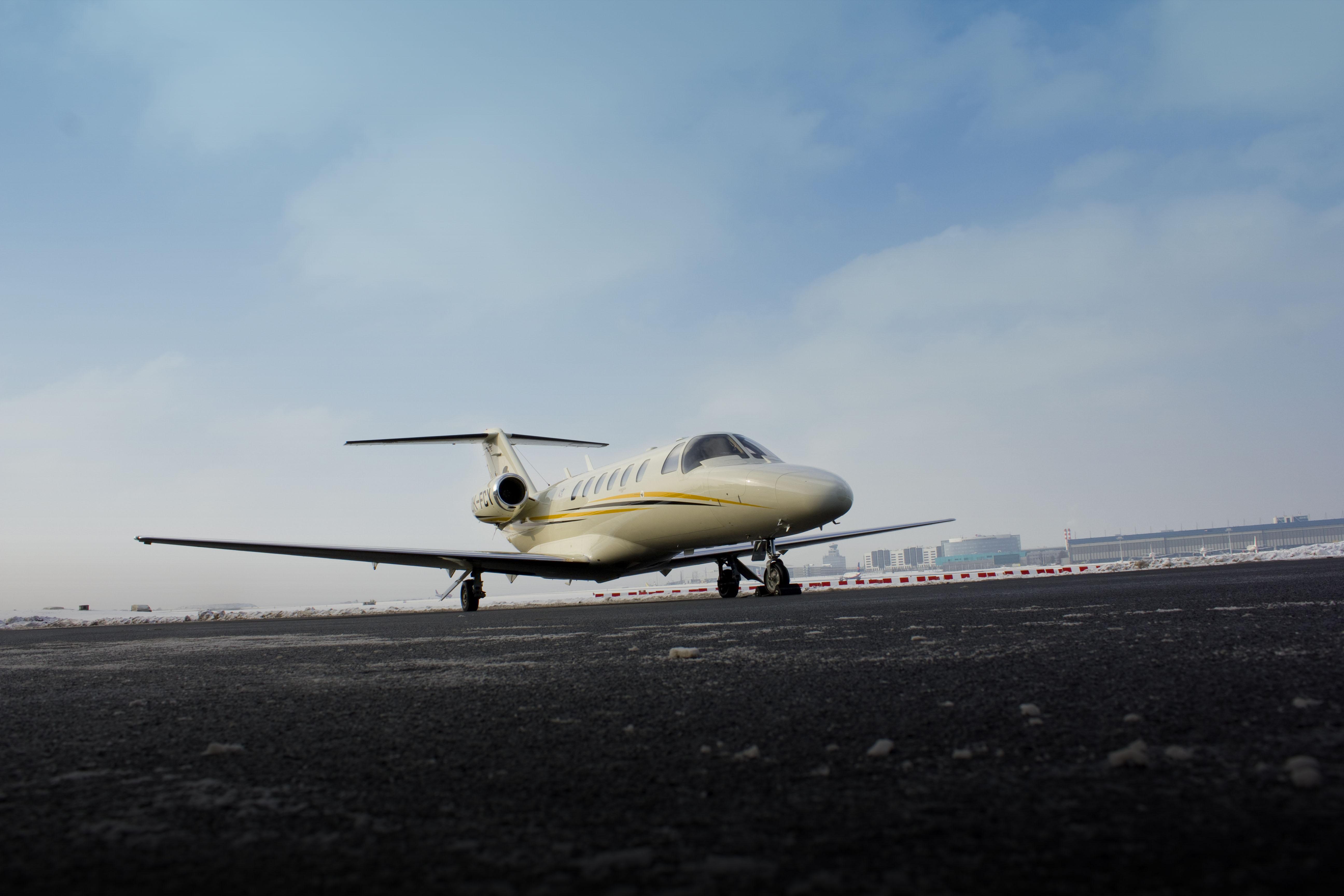 Коммерческий самолёт  от Cessna Aircraft Company для управления одним пилотом - фото 2