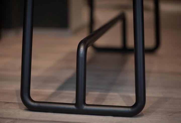 Красивый интерьер салона красоты: элементы мебели