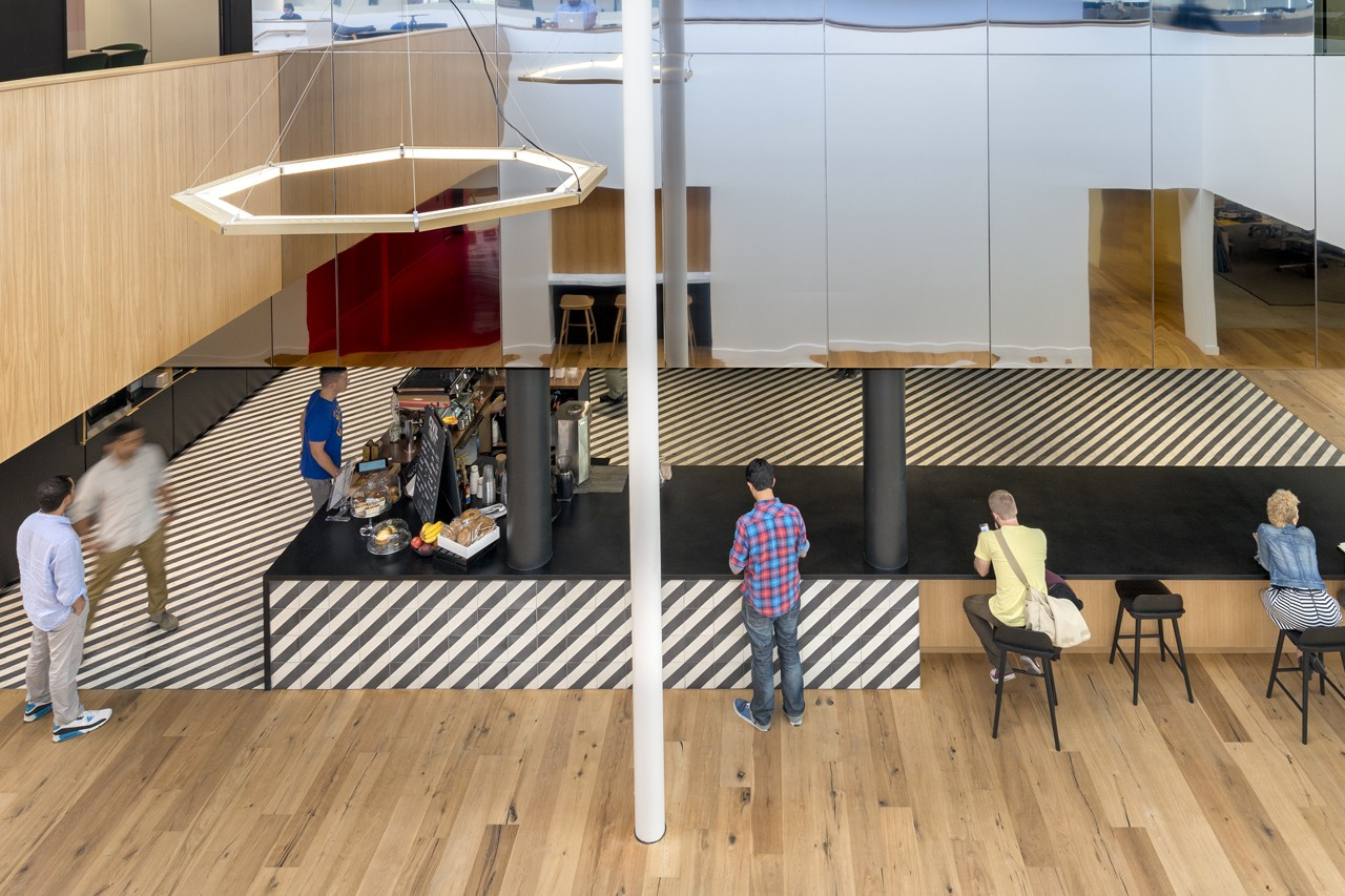 Креативное оформление офиса - вид сверху на кафе