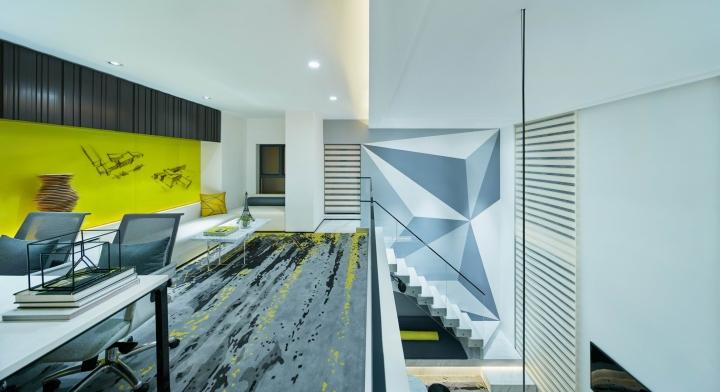 Стильный дизайн кабинета в креативном оформлении офиса - Фото 3