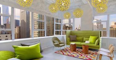 Зеленое яблоко – элемент декора креативного дизайна офиса от Kati Curtis