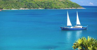 Круизная яхта для путешествия по Сейшельским островам