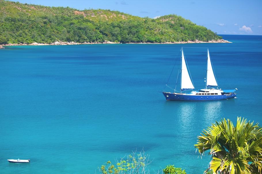 Круизная яхта для путешествия по Сейшельскому архипелагу