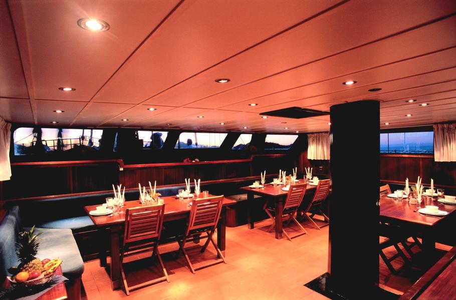 Интерьер круизной яхты - фото 1