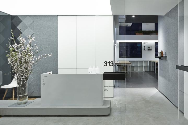 Лаконичный дизайн интерьера офиса в Шанхае
