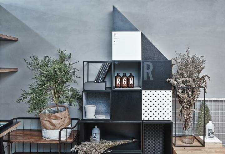 Лаконичный дизайн интерьера офиса в Шанхае - чёрно-белый интерьер