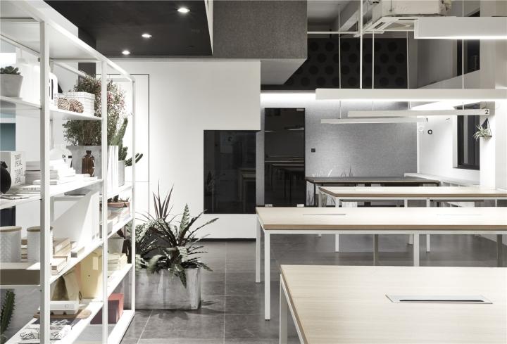 Лаконичный дизайн интерьера офиса в Шанхае. Фото 2