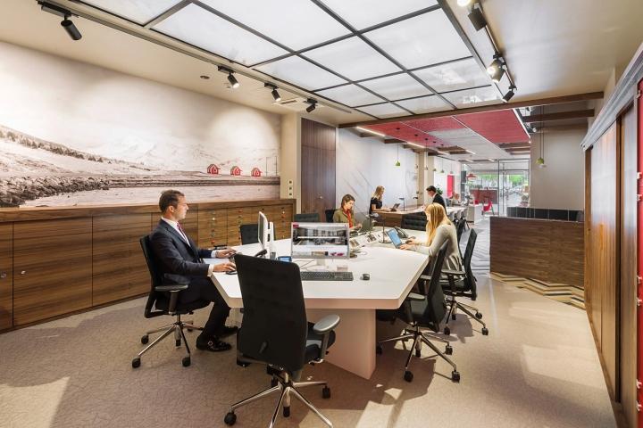 Лаконичный дизайн интерьера офиса в Лондоне, Англия: прекрасные условия