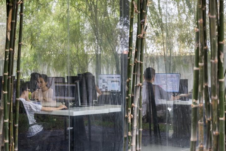 Интерьер рабочего офиса MIA Design Studio Offices