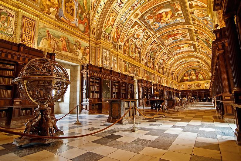 Библиотека в El Real Monasterio de El Escorial,Мадрид, Испания