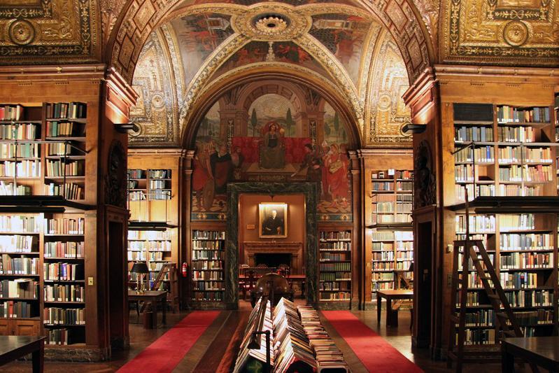 Университетская библиотека-клуб в Нью-Йорке