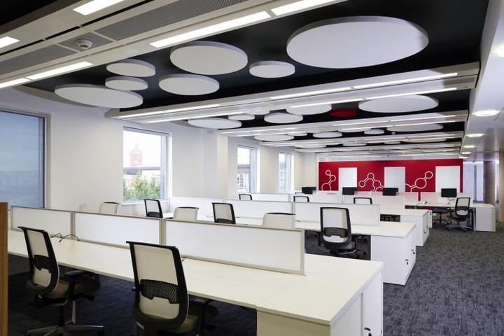 Светодиодные светильники в штаб-квартире представительства Welsh Government's new Life Sciences Hub
