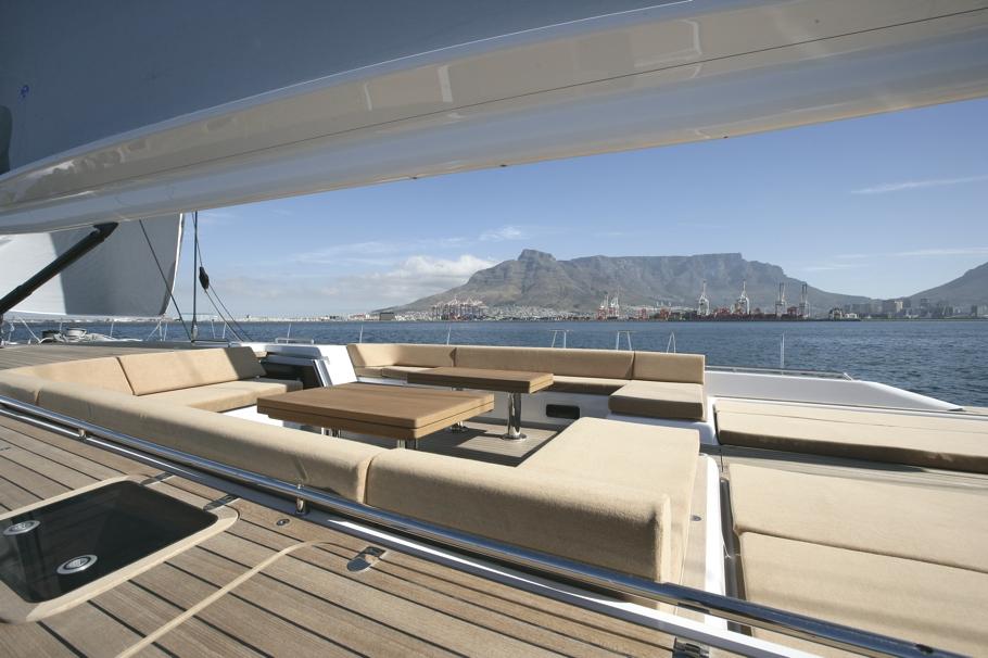 Парусная яхта Thalima: место для отдыха на палубе - фото 1