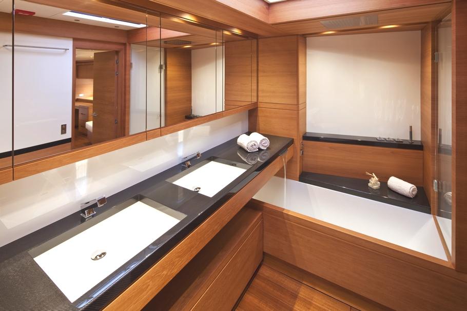 Итальянский стиль интерьера парусной яхты Thalima - фото 2