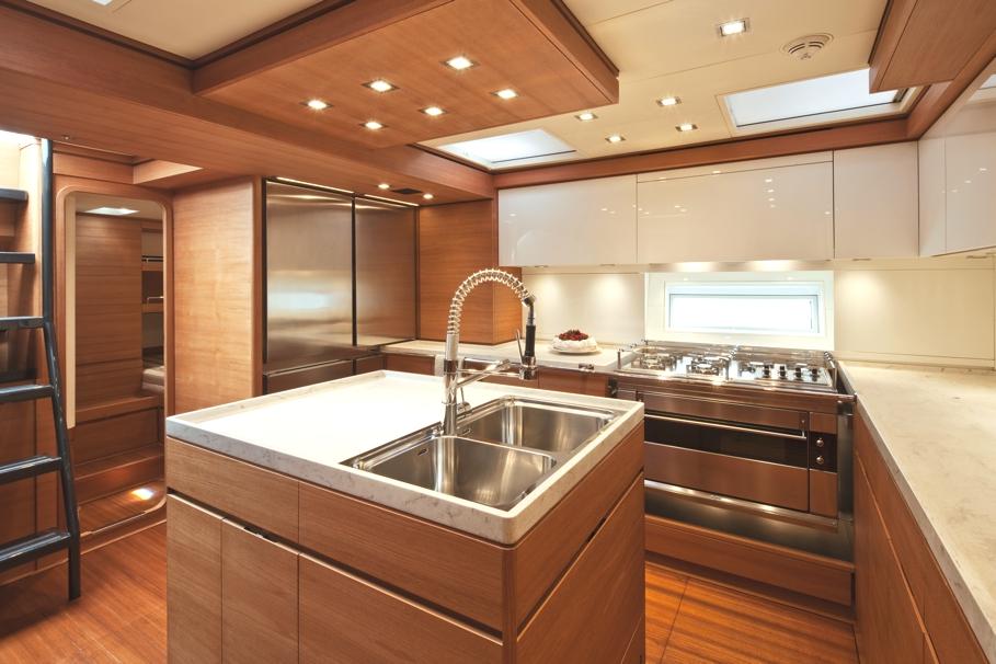 Итальянский стиль интерьера парусной яхты Thalima - фото 5