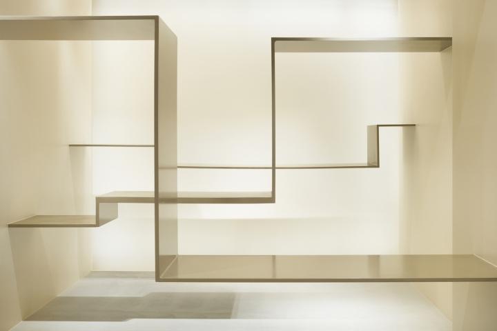 Интерьер галереи в стиле минимализм - фото 5