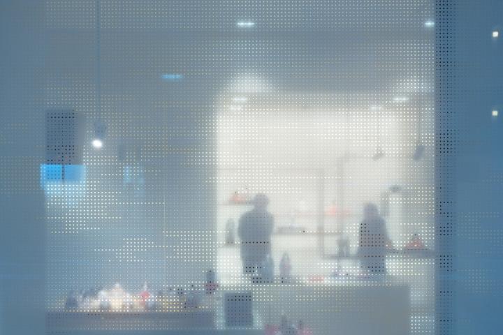 Интерьер галереи в стиле минимализм - фото 8