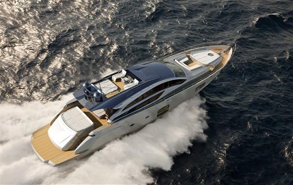 Итальянская моторная яхта среднего класса PERSHING 82