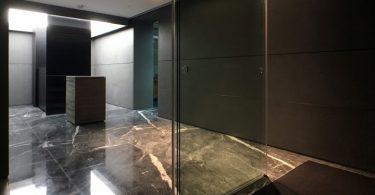 Мрамор в интерьере от Plot Architecture Office