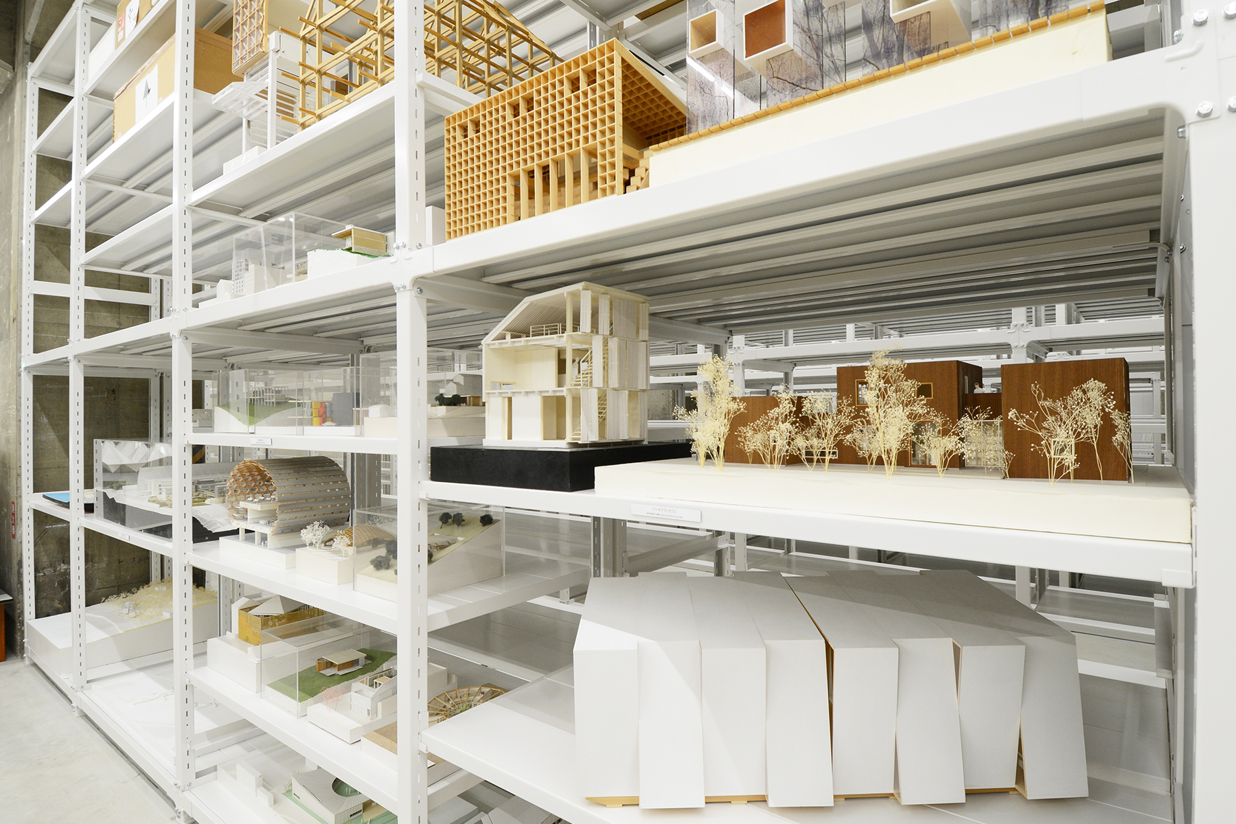 Музей моделей архитектуры: минималистический эстетический стиль