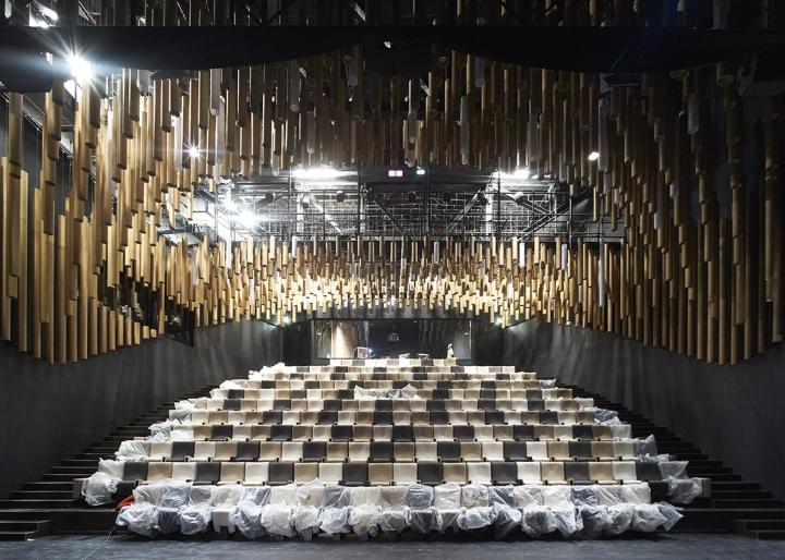 Музей вина: современный интерьер зала