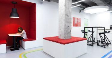 Архитектор Эмиль Дервиш создал проект необычного интерьера школы иностранных языков в Киеве