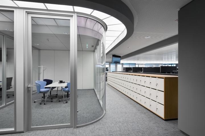 Необычные офисы мира: современный интерьер офиса Lufthansa
