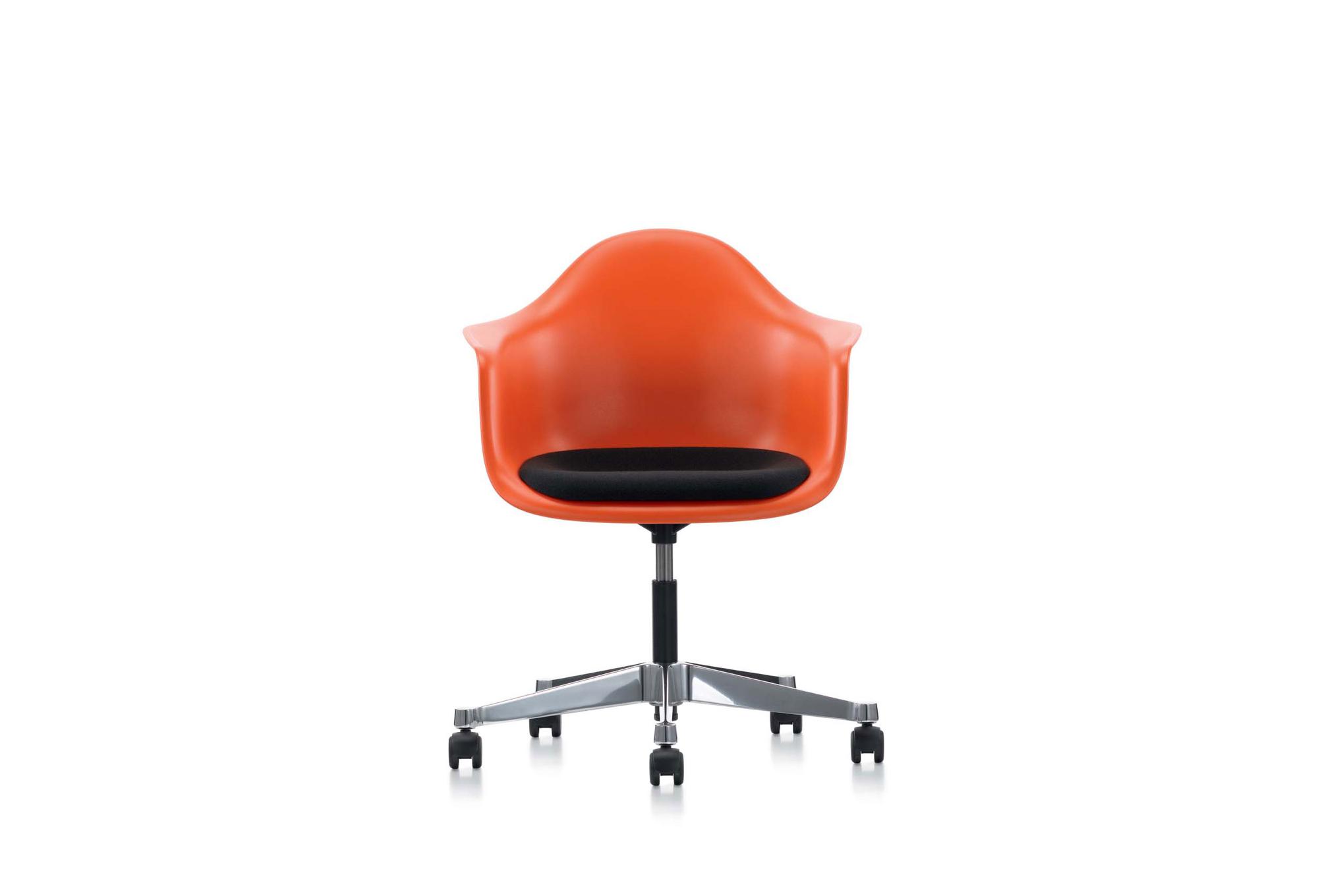 Стулья для офиса, фото модели Eames. Фото 4