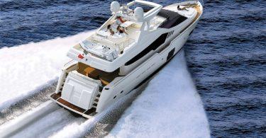 Современная итальянская яхта «Ferretti Yachts 870»