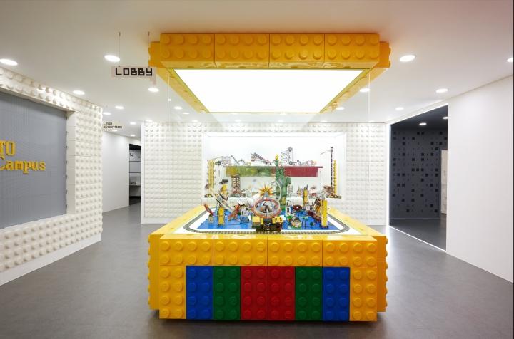 Игровой комплекс на выставочной площадке