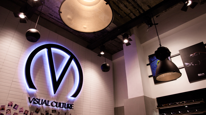 Логотип нового магазина оптики Visual Culture Optical в Гонконге
