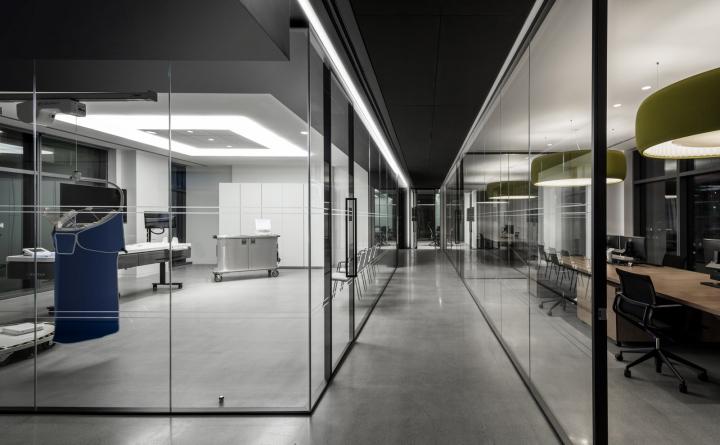 Прозрачные стены в обустройстве офиса