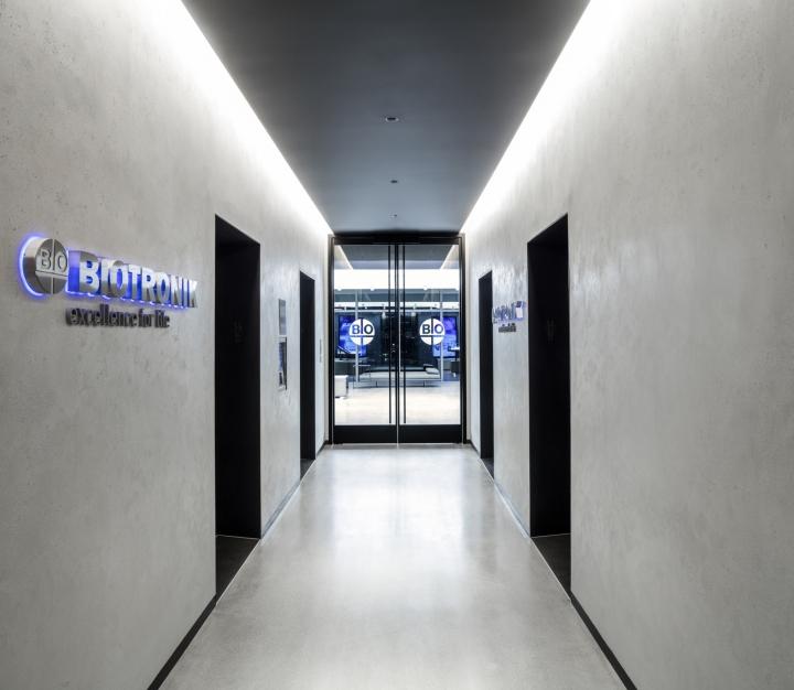 Вывеска офиса Biotronik