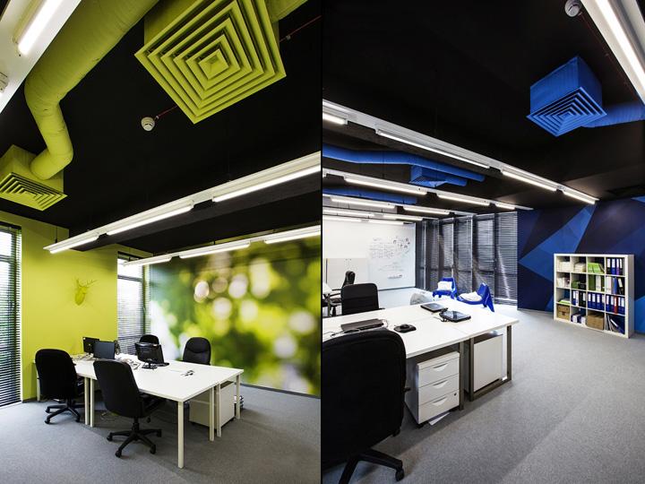 Воздуховоды окрашенные в яркие цвета участвуют в декоре интерьера