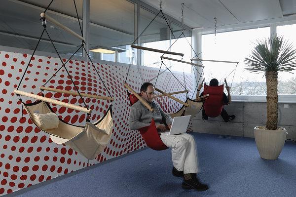 Дизайн интерьера рабочего места в офисе