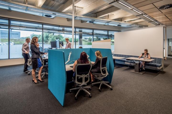 Офис для совместной работы компании Trustpower - личные места сотрудников