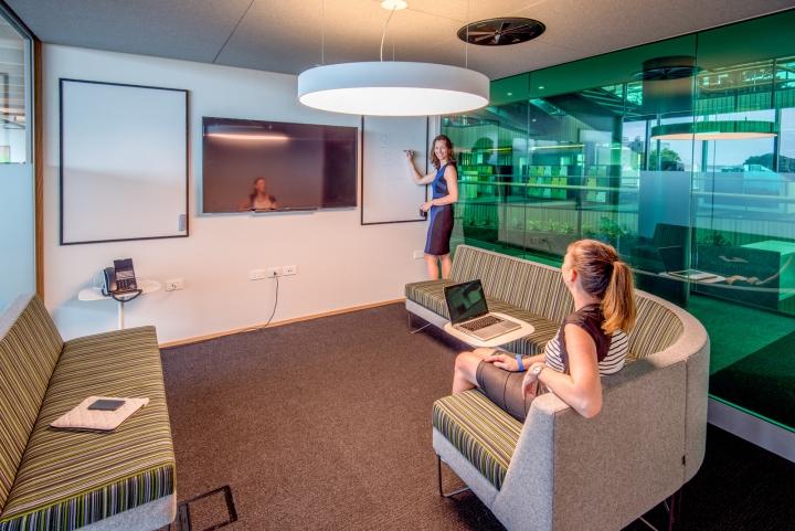 Офис для совместной работы компании Trustpower - интерактивные доски