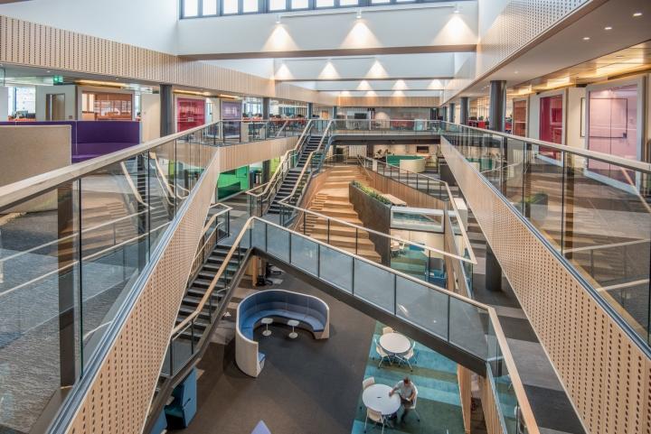 Офис для совместной работы компании Trustpower - вид с третьего этажа. Фото 1