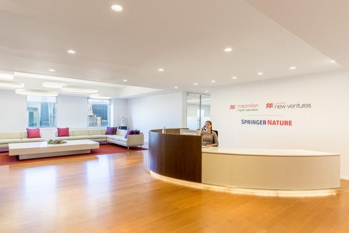 Офис издательства Macmillan, Нью-Йорк - дизайн ресепшена