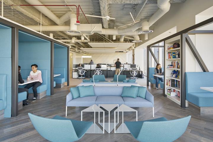 Офис с красивым интерьером в новом здании Pei Cobb Freed