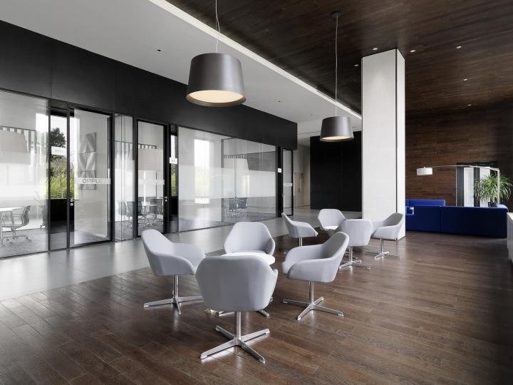Офис с красивым интерьером в Шанхае, Китай: стулья