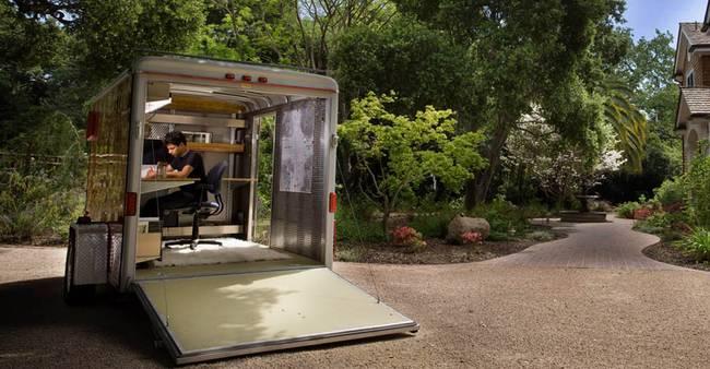 Оригинальный офис в трейлере
