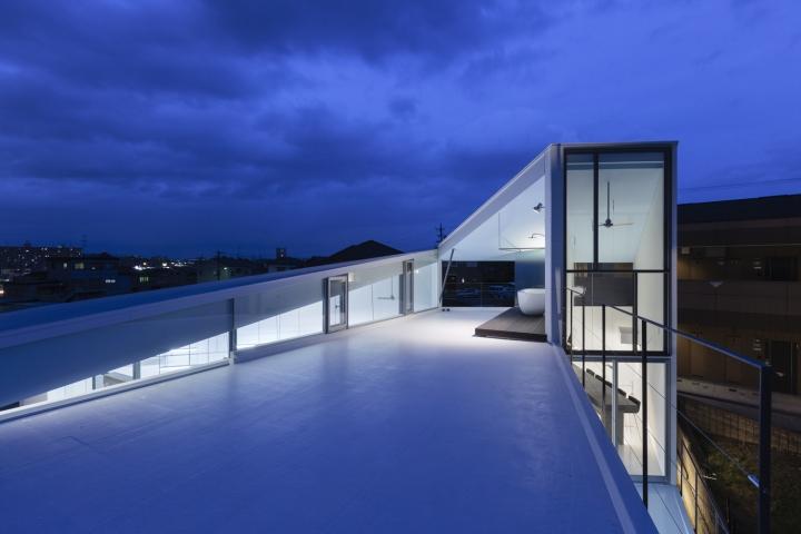 Геометрическая крыша здания офиса