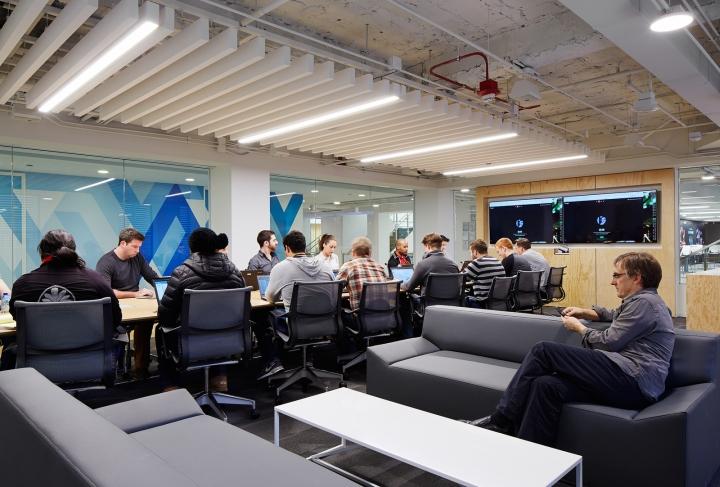 Офисный интерьер в Чикаго, Иллиноис: комната для переговоров