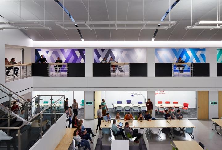 Офисный интерьер в Чикаго, Иллиноис: зал для переговоров