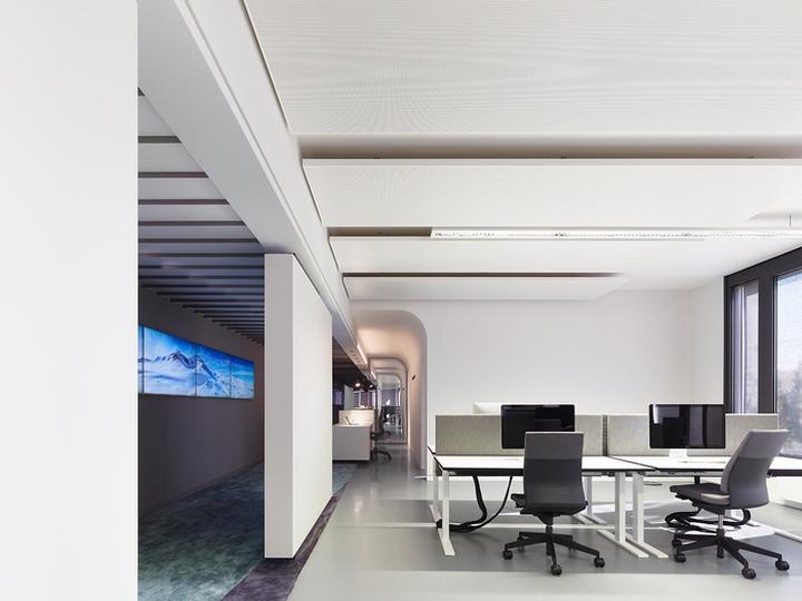 Офисный интерьер от Ippolito Fleitz Group в Германии: дизайн офиса Phoenix Design