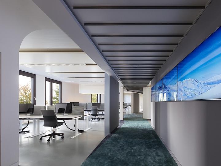 Офисный интерьер от Ippolito Fleitz Group в Германии: гостеприимство проявляется во всём