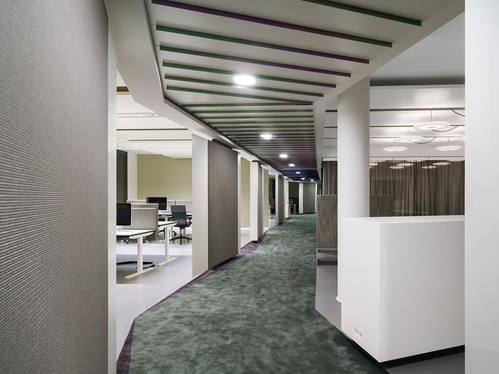 Офисный интерьер от Ippolito Fleitz Group в Германии: теплота и уют