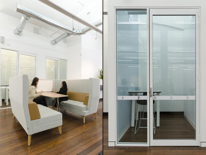 Оформление интерьера офиса Co-op: белые стены и мебель